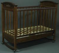 Кроватка Наполеон VIP (орех) Кнопка